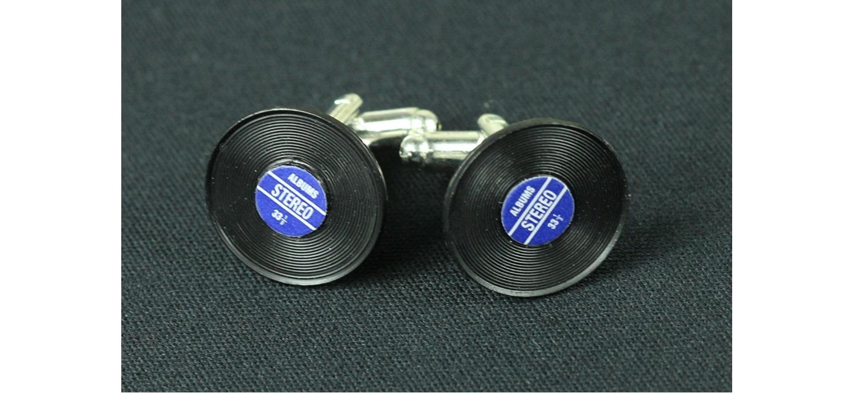 Des Boutons De Manchettes En Disque Vinyl Pour DJ