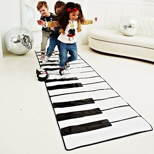 Un Piano Geant Pour Jouer Avec Les Pieds Cadeaux Pour Musiciens