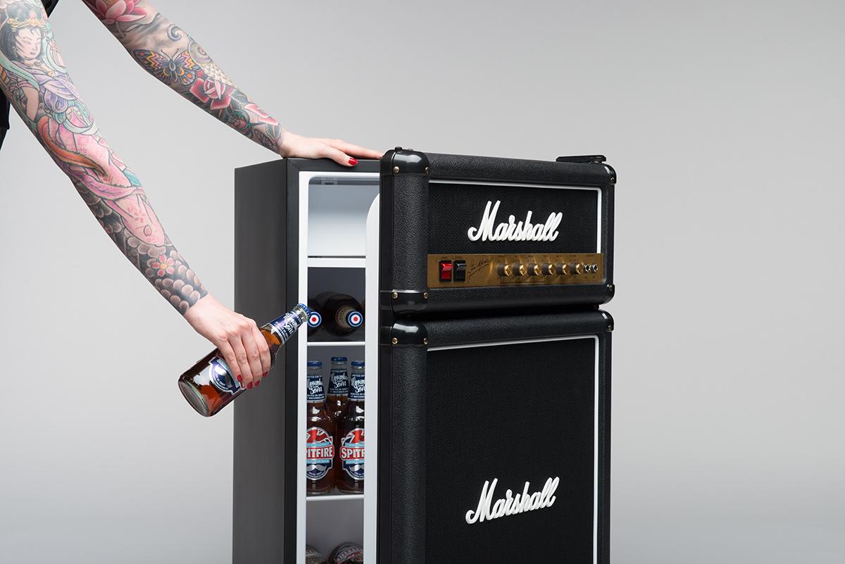 Un Réfrigérateur Marshall