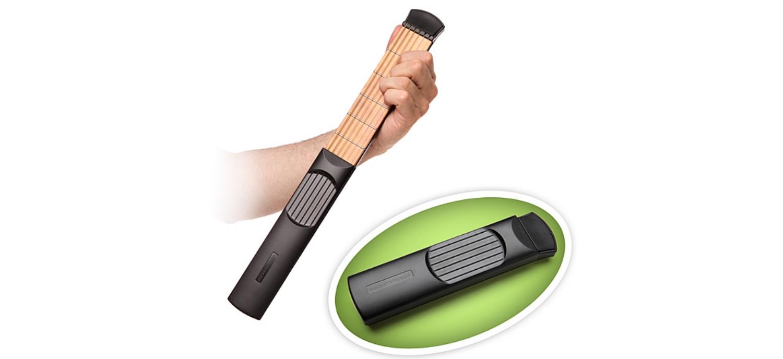 Une Guitare De Poche Pour S'entrainer